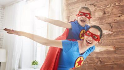 """""""Niños que ayudan en casa"""" – Articulo por Debora Olivieri"""
