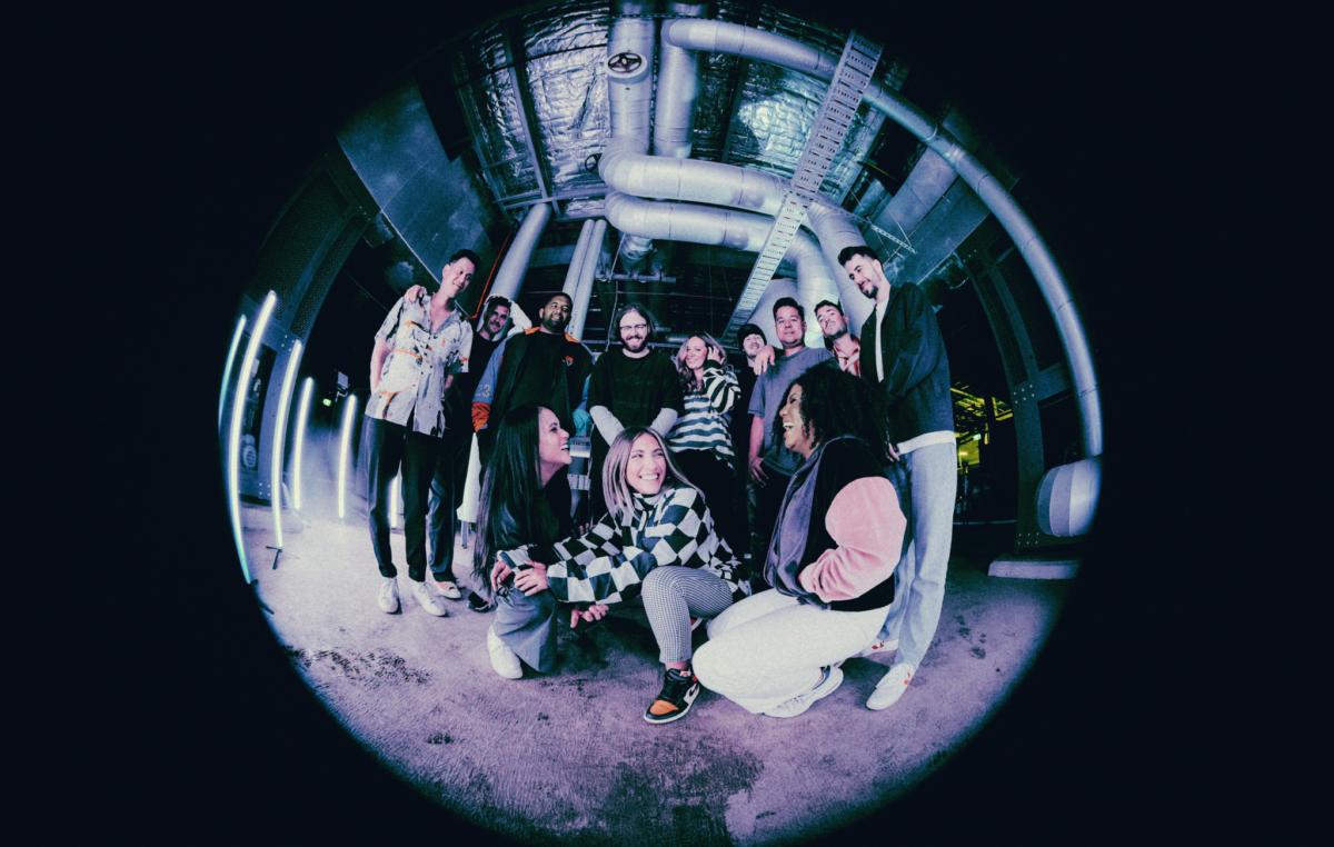 HILLSONG YOUNG & FREE LANZA NUEVAMENTE EP EN ESPAÑOL, «TODOS MIS MEJORES AMIGOS» CON «INDESCRIBABLE» (FEAT. UN CORAZÓN & WHATUPRG)
