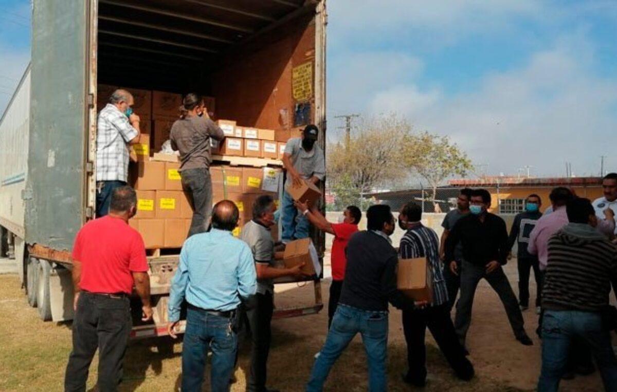 México: Arriba tráiler con regalos para iglesias cristianas de Reynosa