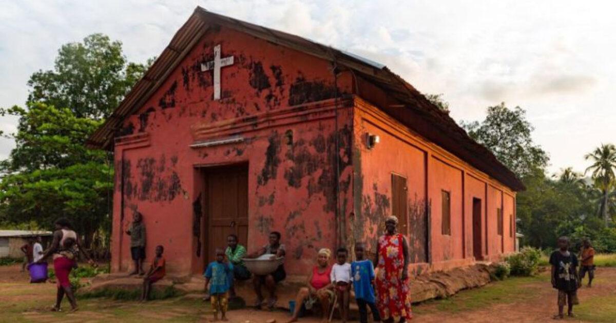 Traductores de la biblia superan los retos de la pandemia