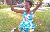Una joven con discapacidad física evangeliza en Internet e inspira a millones en Uganda