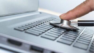 ¿Es mejor tener las laptops enchufadas todo el tiempo o usar la batería?