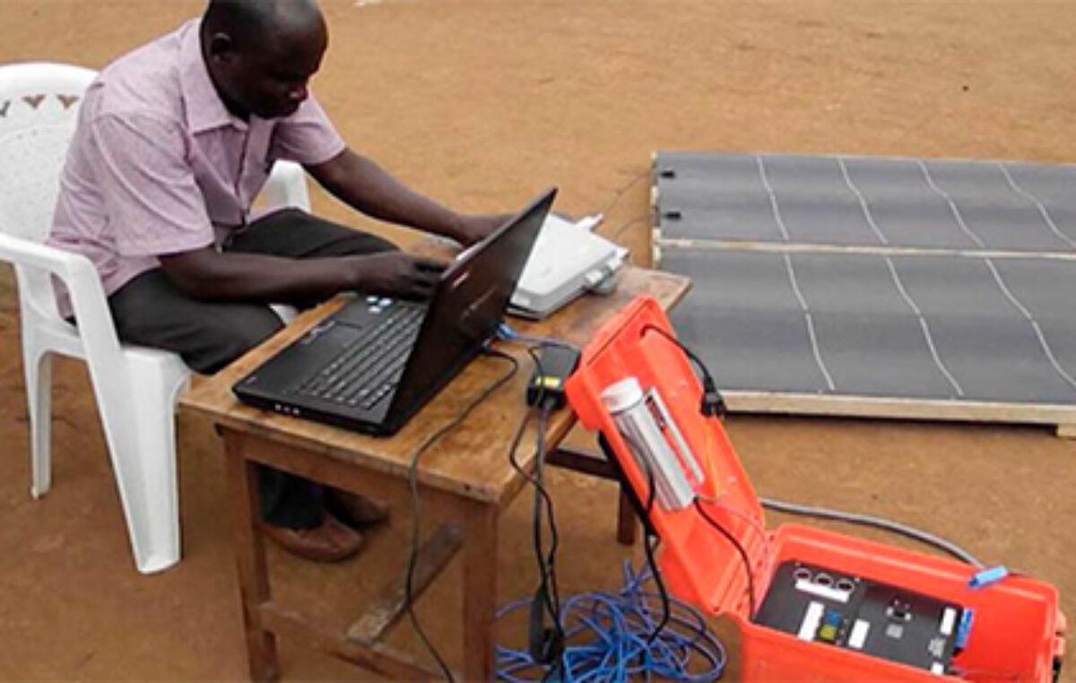 Desarrollan tecnología para proteger traducciones bíblicas en zonas remotas